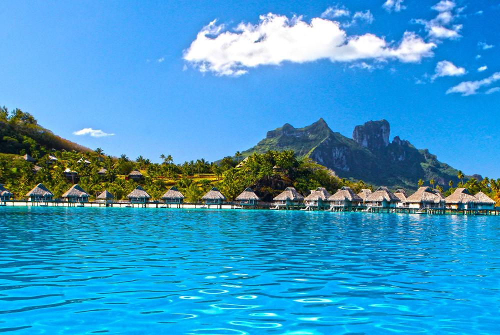 Kelionė į Bora Bora (egzotinės kelionės) Perfect Blue Lagoon Ocean Water Villas Bungalows On Paradise Tro