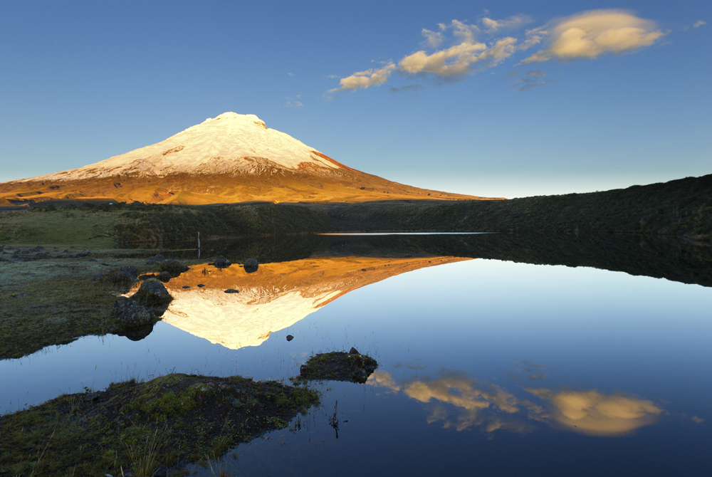 Cotopaxi and Santo Domingo lagoon