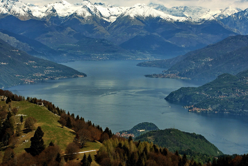 Top View Of Lake Como Italy HD Desktop Background