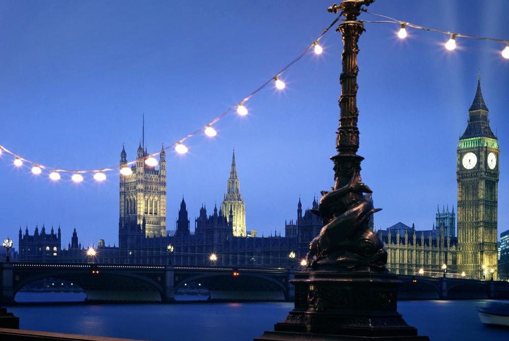 London (48)